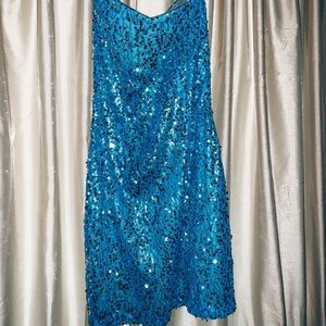 Dresses & Skirts - Gorgeous blue sequined dress💎